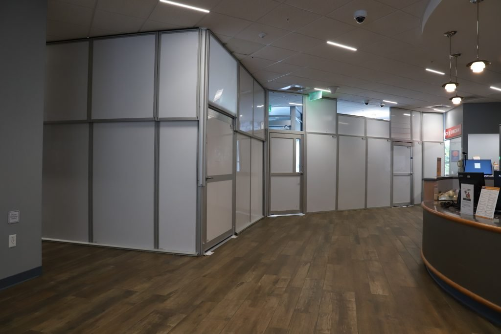modular wall containment systems in a hospital
